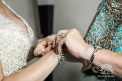 055 - Wedding - Toronto - Bride getting ready - PW