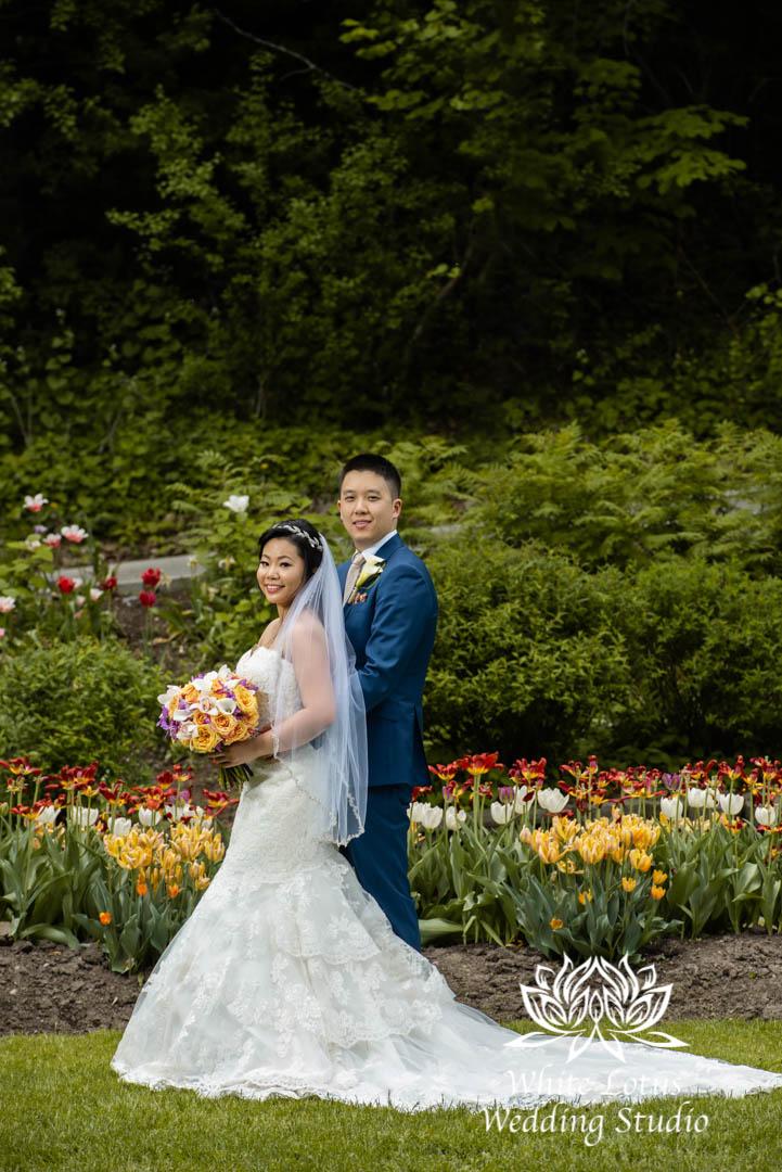 064- Alexander Muir Memorial Gardens wed