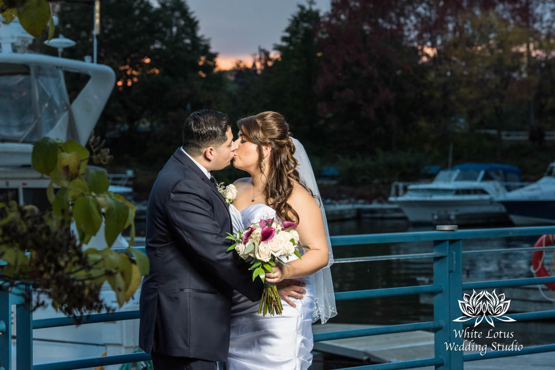 286 - www.wlws.ca - Wedding - The Waterside Inn - Mississauga