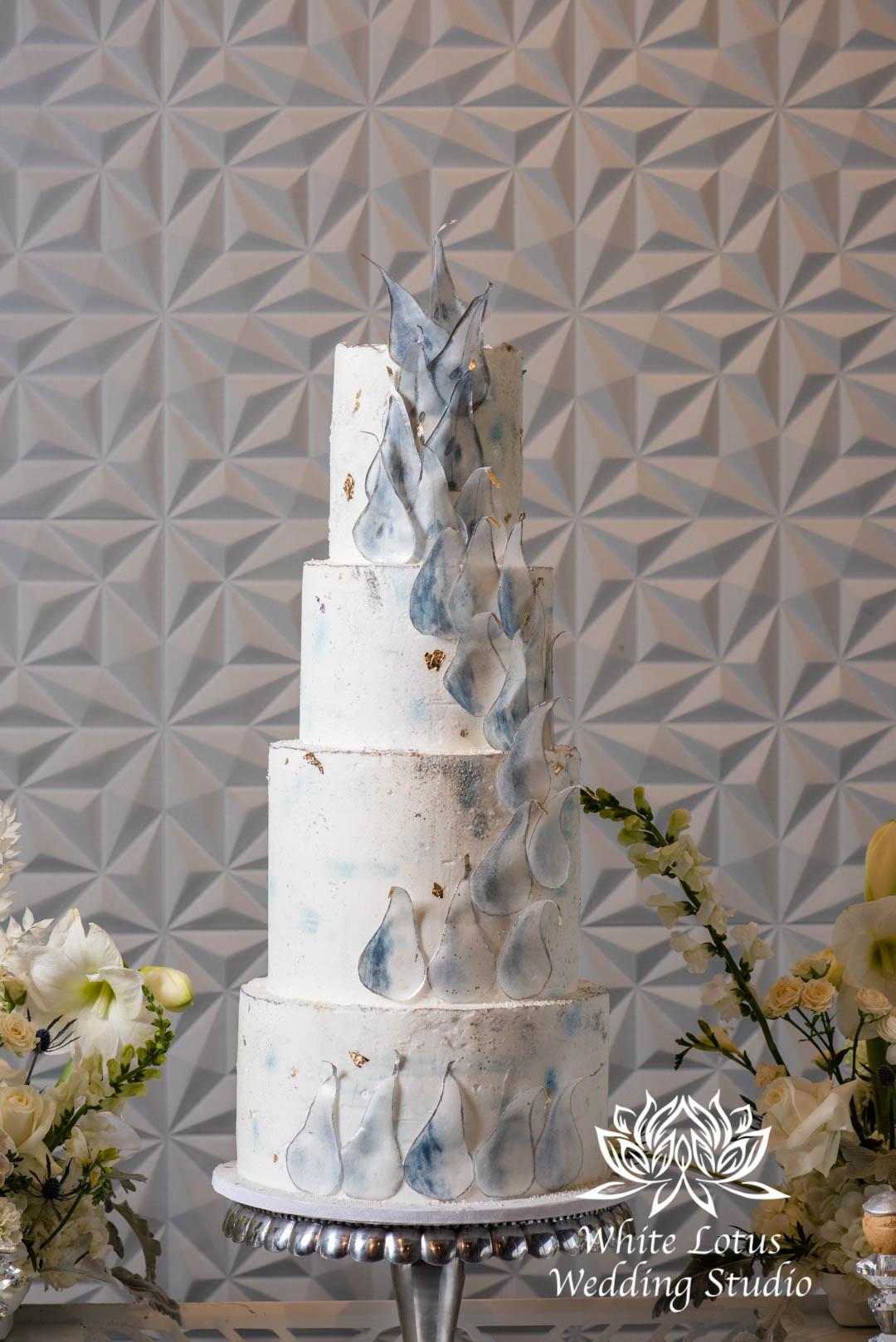 114- GLAM WINTERLUXE WEDDING INSPIRATION
