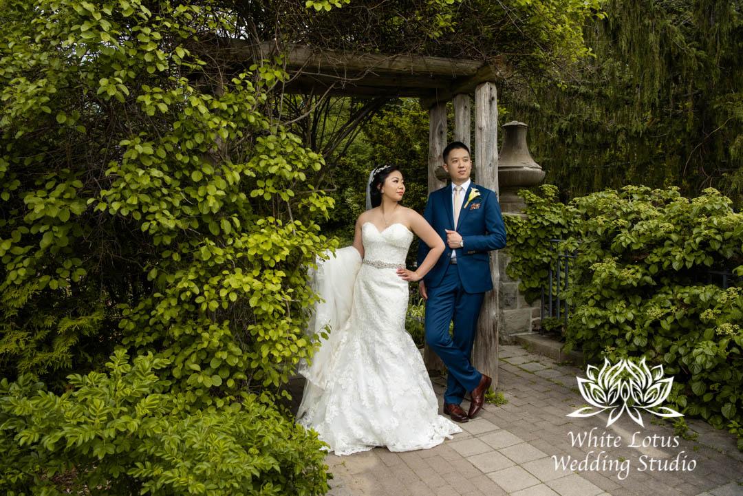 070- Alexander Muir Memorial Gardens wed