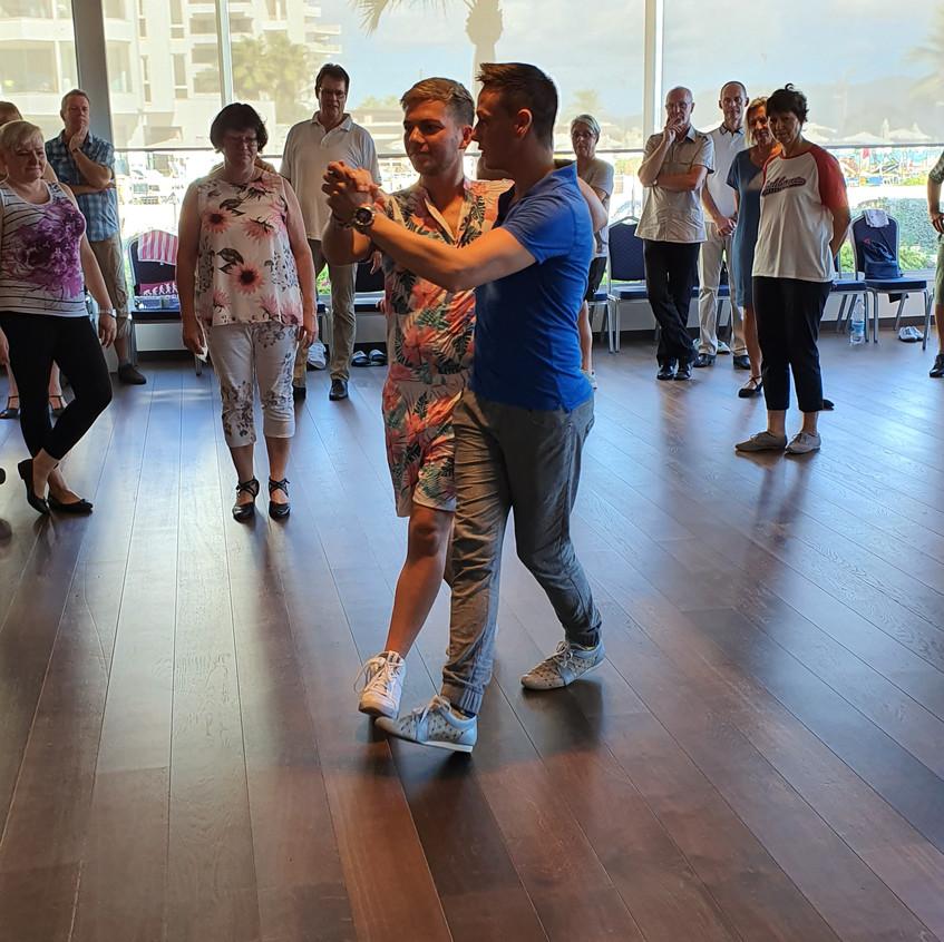 Fairtanzt Tanzschule ADTV