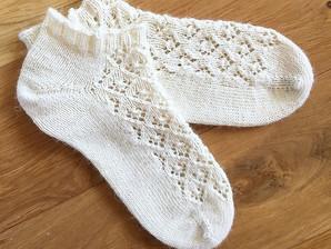 Pattern: Elfin Lace Socks
