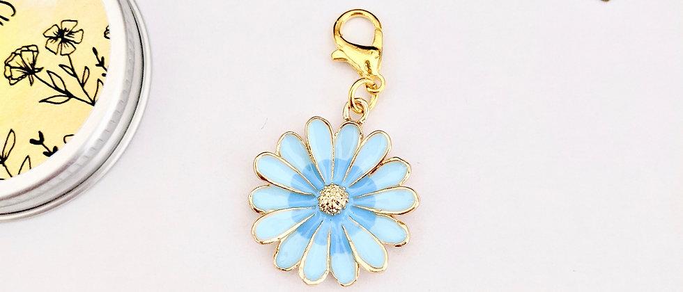 Blue daisy stitch marker