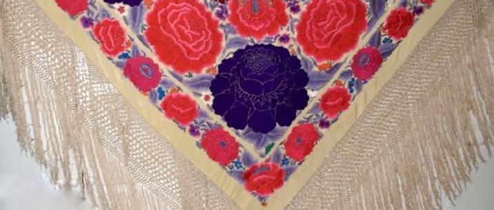 Mantón antiguo de cigarreras rosas moradas