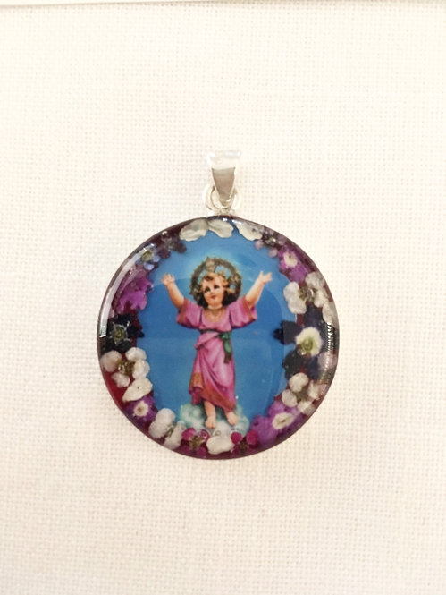 Small Pendant Divine Child Jesus
