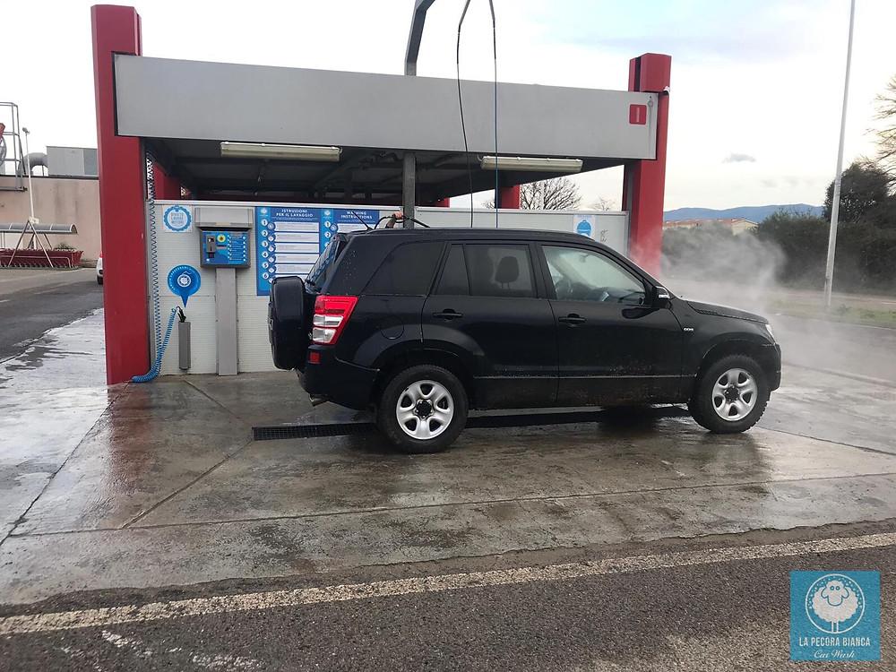 autolavaggio-self-service-La-Pecora-Bianca-Car-Wash-Iglesias-consigli-rimozione-moscerini-auto