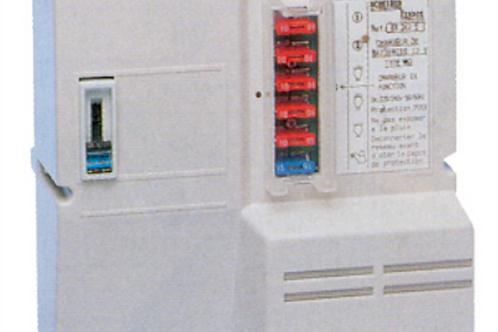 Painel com transformador carregador de 10 Ap