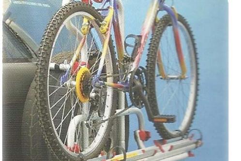 Suporte 2 bicicletas para roda traseira de Jeep
