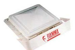 Deflector de vento Fiamma para claraboia 40x40cm.