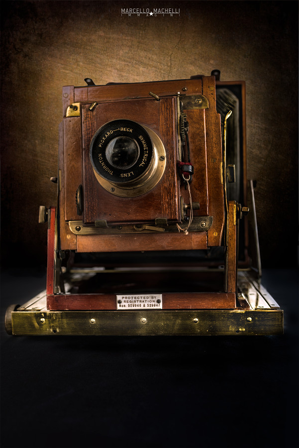 THORNTON-PICKARD IMPERIAL PERFECTA, HALF-PLATE SIZE