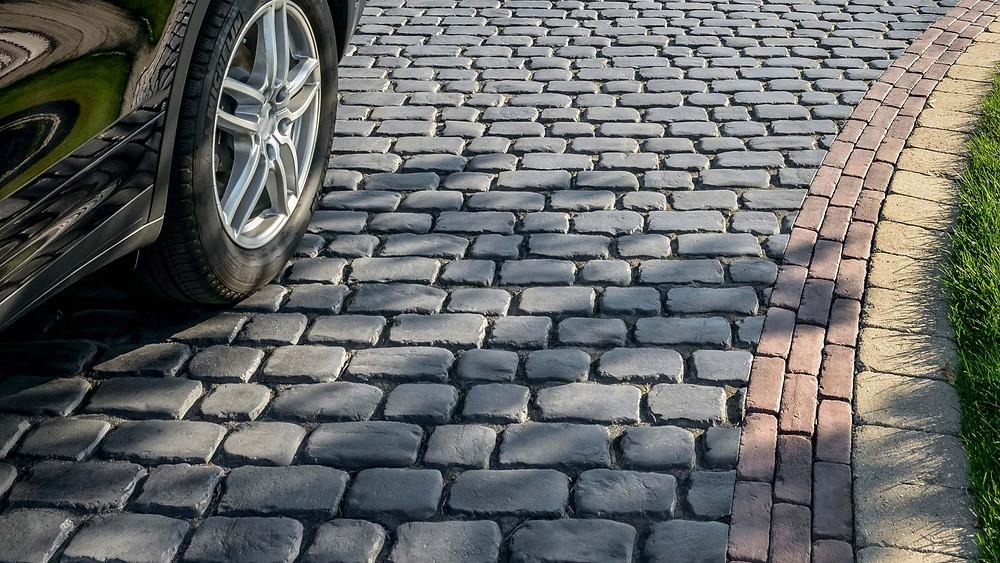 COURTSTONE® Driveway Pavers by UNILOCK