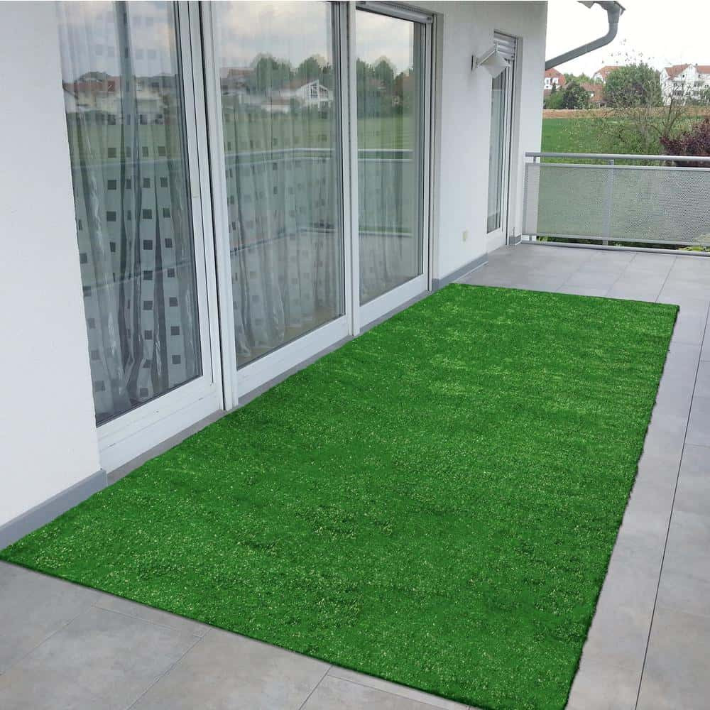Polypropylene artificial turf for landscape design projects