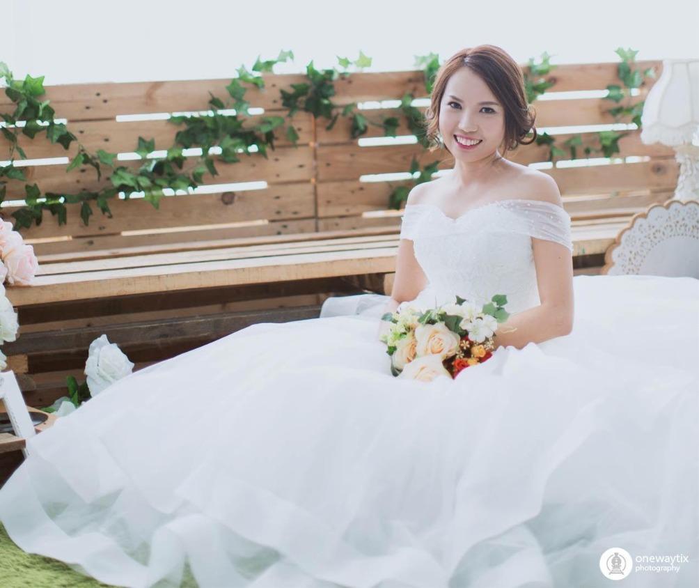 Inzpire Wedding Ballgown Gown Indoor