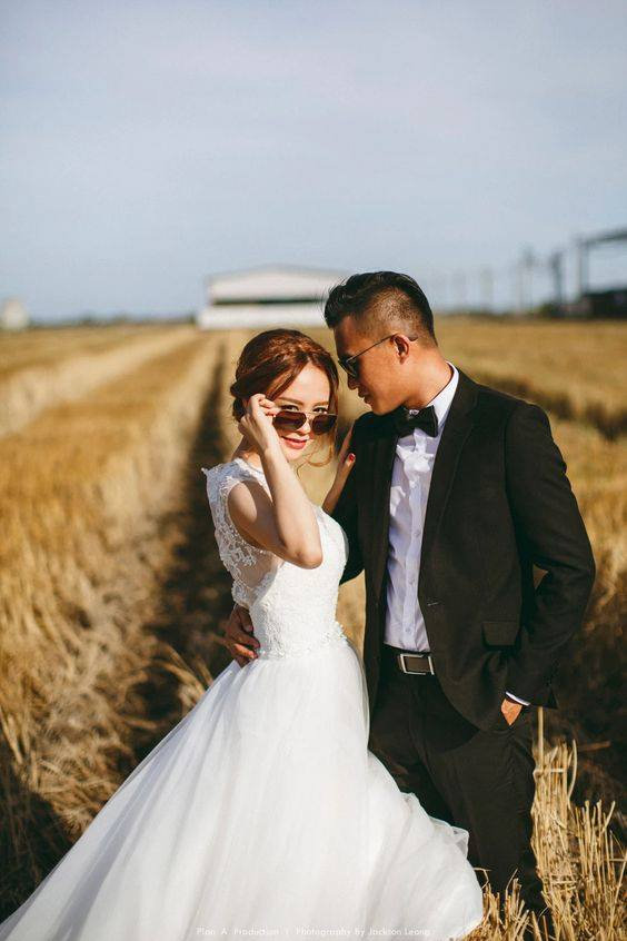 chic sunglasses bridal gown