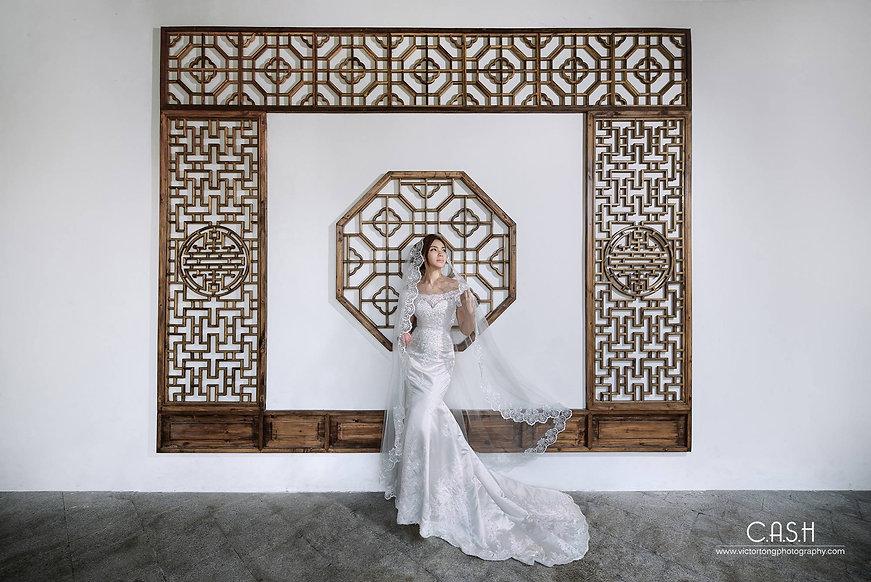 off shoulders high fashion bridal prewedding shoot