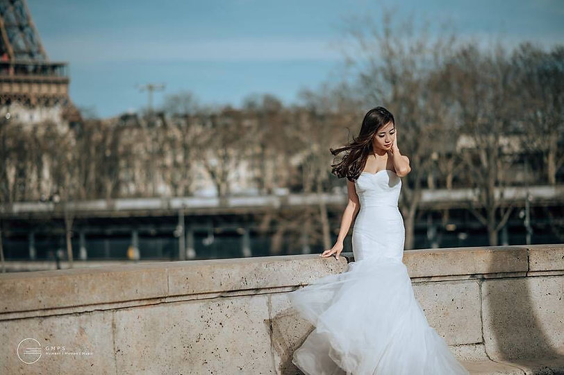 sweetheart mermaid simple wedding gown destination wedding paris europe