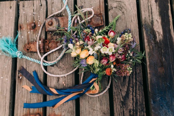 Nautical-Maine-Wedding-Inspiration-at-Bangs-Island-Mussels-Barge-9-600x400