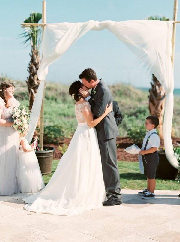 romantic-north-carolina-beach-wedding-36-600x806