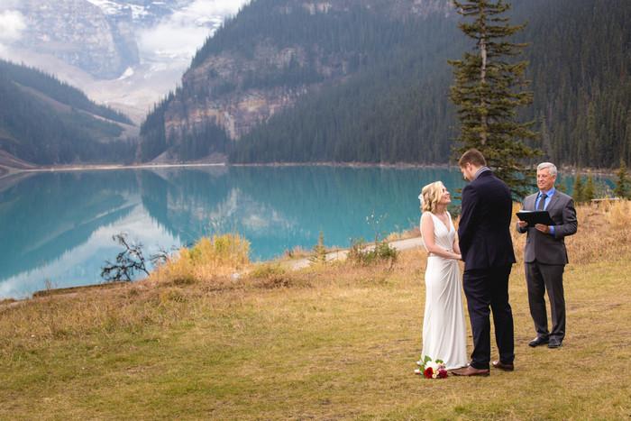 lake-louise-national-park-elopement-junyar-aaron-46