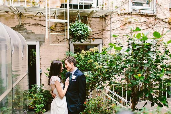 intimate-garden-restaurant-wedding-91-600x400