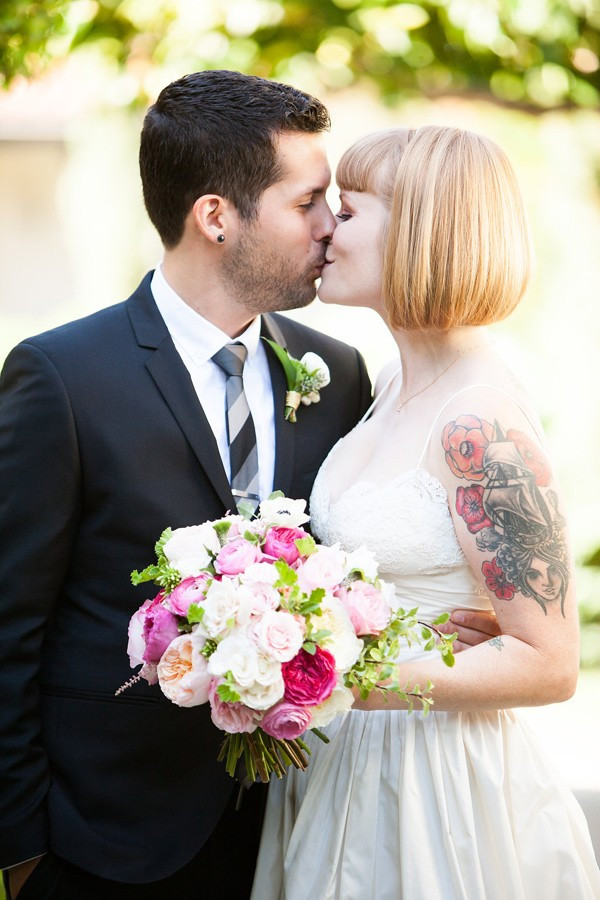 palm-springs-wedding-with-tattooed-rockers-19-600x900