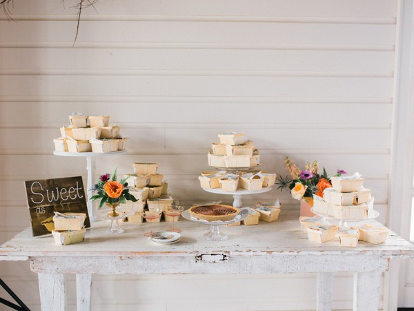 charming-eclectic-wedding-in-texas-38-600x450
