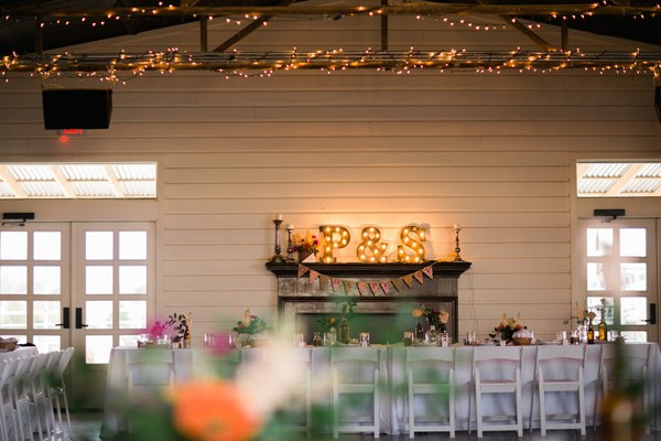 charming-eclectic-wedding-in-texas-52-600x400