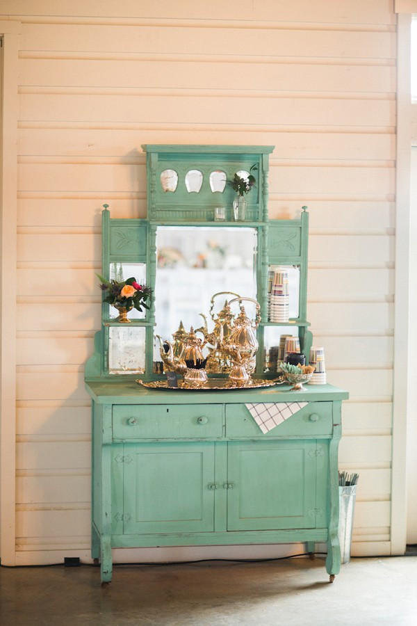 charming-eclectic-wedding-in-texas-50-600x900