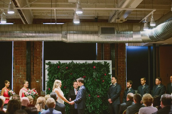 a-green-pittsburgh-opera-wedding-15-600x400