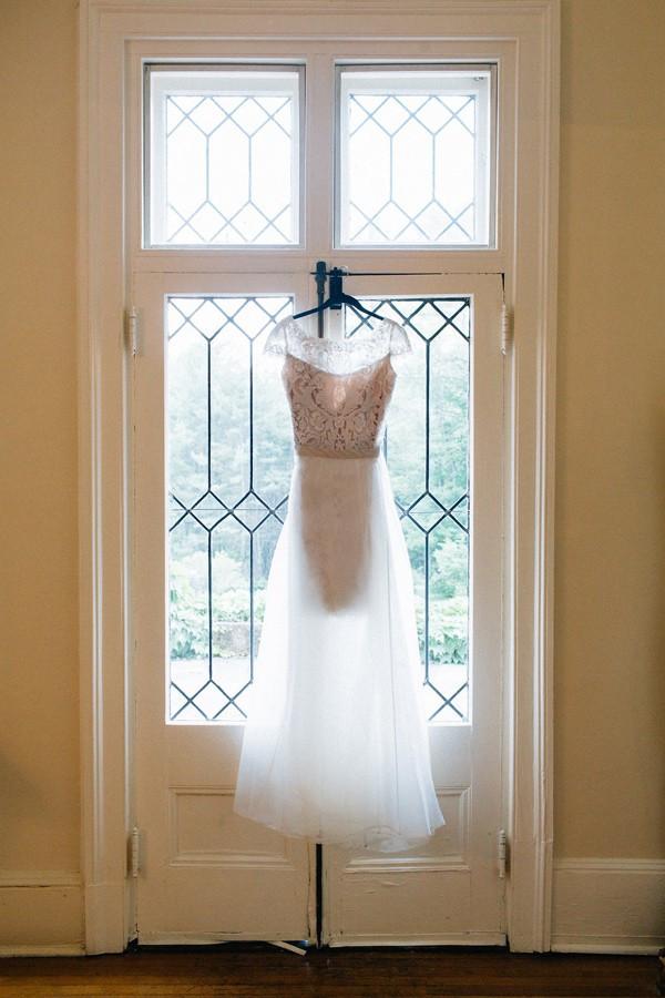 romantic-wedding-in-the-berkshires-07-600x900
