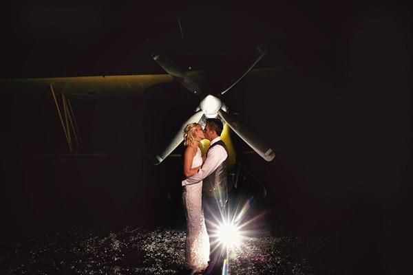 stormy-day-plane-hangar-wedding-95-600x400