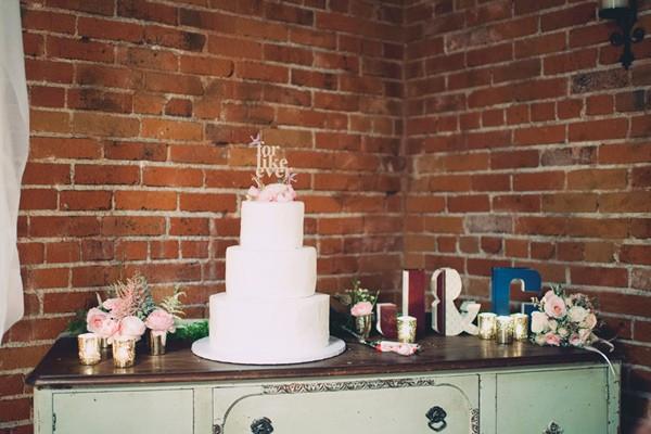 italian-villa-dinner-party-inspired-wedding-80-600x400