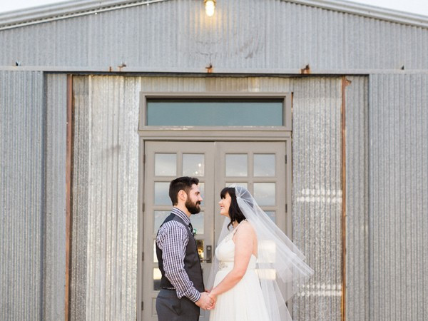 charming-eclectic-wedding-in-texas-31-600x450