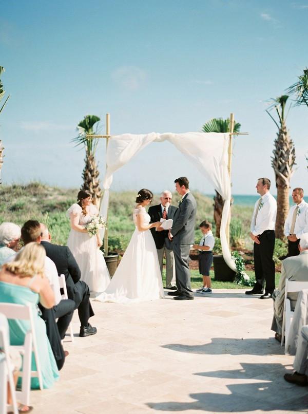 romantic-north-carolina-beach-wedding-32-600x806