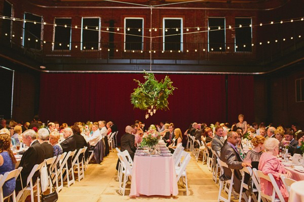 a-green-pittsburgh-opera-wedding-77-600x400
