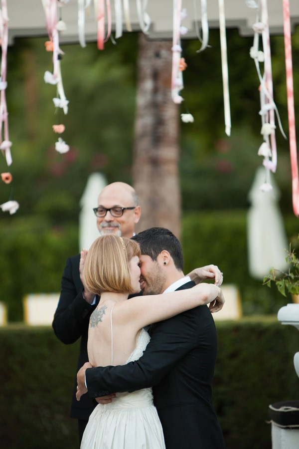 palm-springs-wedding-with-tattooed-rockers-48-600x900