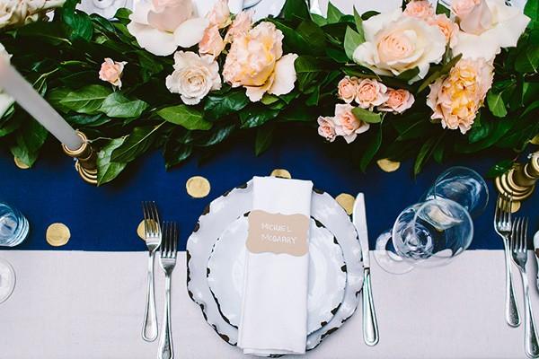 intimate-garden-restaurant-wedding-68-600x400