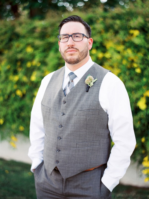 handcrafted-mismatched-backyard-wedding-13-600x797