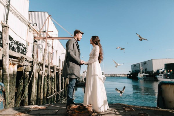 Nautical-Maine-Wedding-Inspiration-at-Bangs-Island-Mussels-Barge-24-600x400