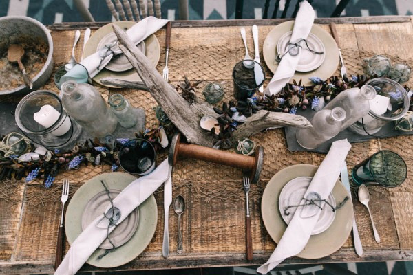 Nautical-Maine-Wedding-Inspiration-at-Bangs-Island-Mussels-Barge-61-600x400