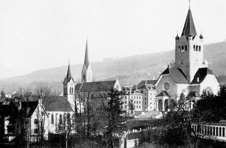 Foto m zwei Kirchen.jpg