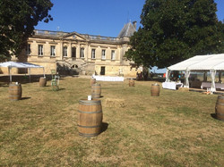 Bordeaux wedding venue in chateau to rent with accommodation and pool