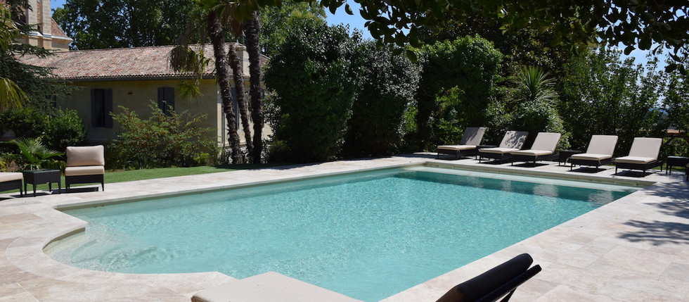 Chateau to rent in France for holidays, overlooking Vineyards with pool