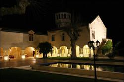 chateau hotel near Bordeaux, for hol