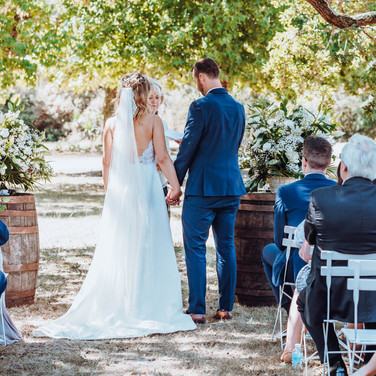 Wedding Venue to rent with pool and accomodation near