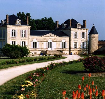Wedding rental chateau in Bordeaux