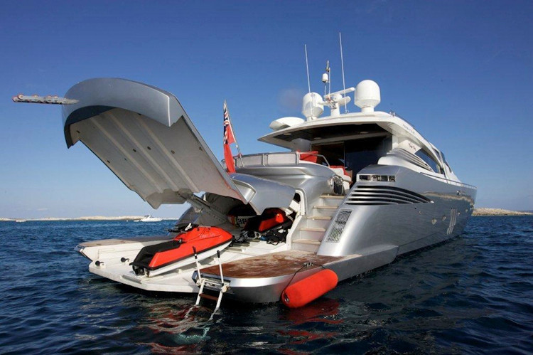 Boat to hire with captain in Ibiza