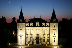 wine tour package with chateau accommodation in France , Bordeaux