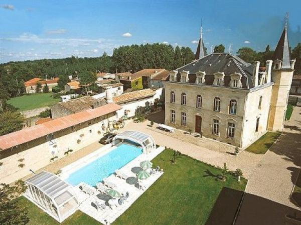 Holiday rental & Wedding venue with pool  , SPA, and bedrooms in South of France